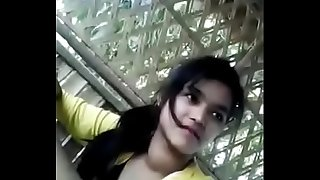 Zaira wasim superstar actress mms leaked. Video from her before acting days.