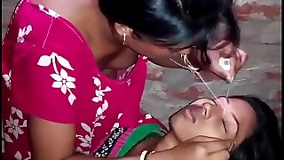 Indian-village-girl-shaping-eyebrows
